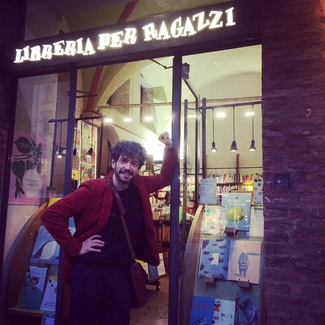 Klaas Verplancke in front of the Giannino Stoppani bookshop