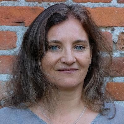 Photo of Bettina Bach